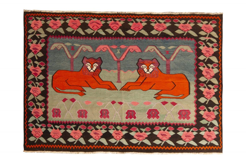 Pictorial lion rug