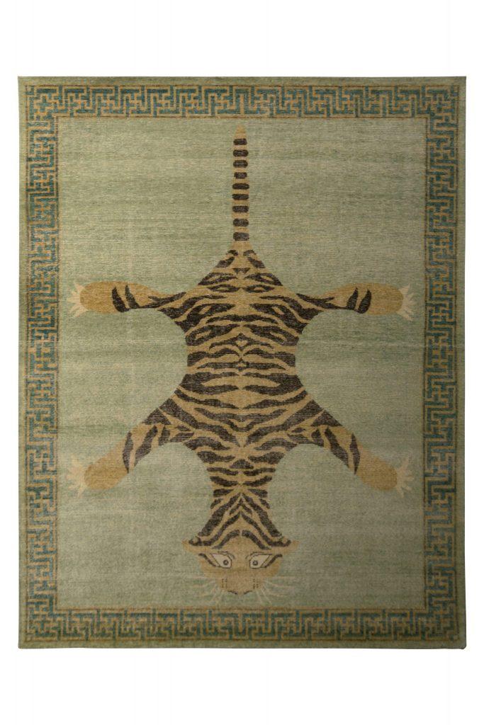 Pictorial tiger rug
